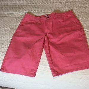 Pink Bermuda shorts mid-rise